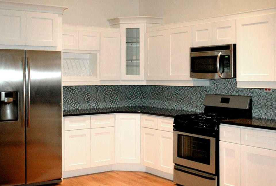 Cabinets for less add pizzazz to your kitchen cabinets for for Kitchen cabinets for less